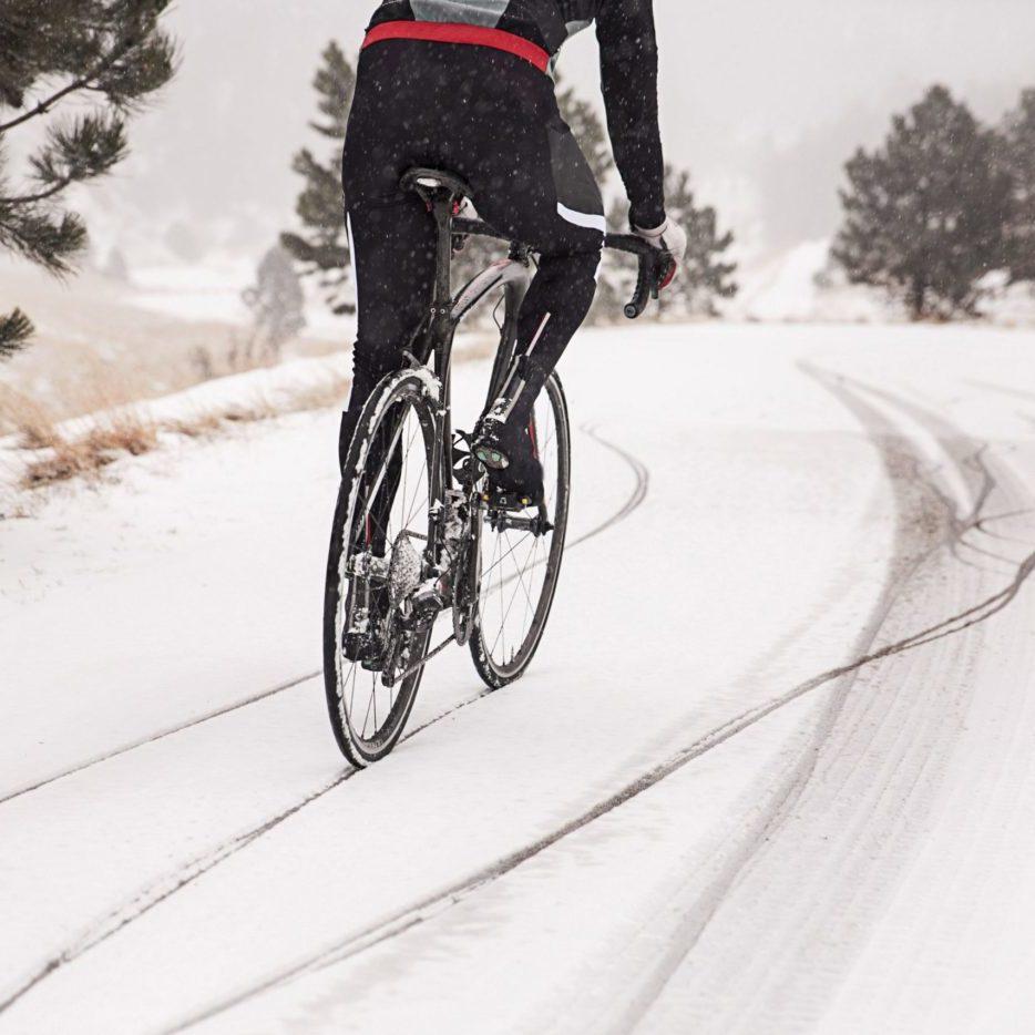 Trening zimowy kolarza